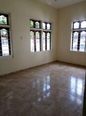 8 bedrooms bungalow house available for rent in Upanga image 15