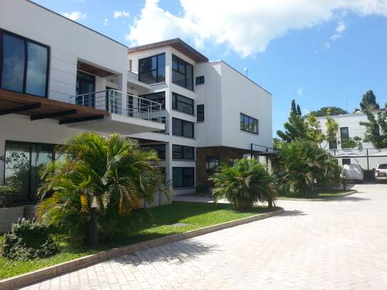 5 Bedrooms Home For Rent In Oysterbay