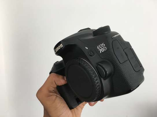 Canon 70D SLR Camera for sale (Body ONLY)