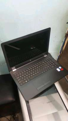 Hp notebook 15, core i3, radeon card