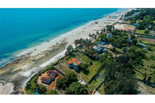 beach and 3 bed room house for sale at ununio image 3