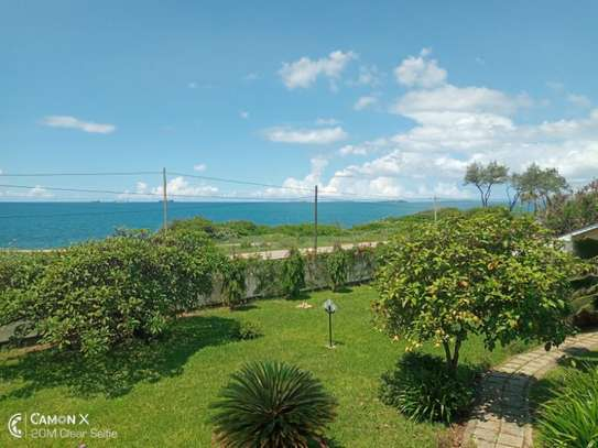 4 bed room house sea view for rent at oyster bay toure drive image 9