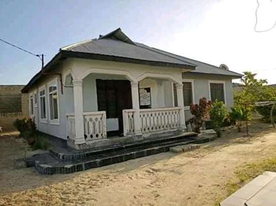 3 bedrooms spacious House going cheap at Mbagala CHAMAZI image 5
