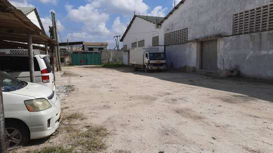 Warehouses for rent at Nyerere Road image 2