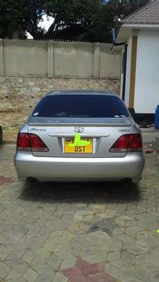 2003 Toyota Crown image 6