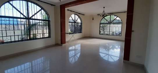 4 Bedrooms House For Rent in Msasani image 9