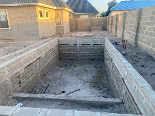 Unfinished 3 bedrooms house image 6