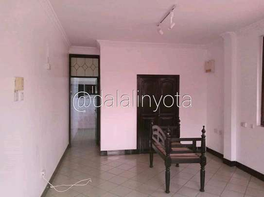 5 BDRM HOUSE NEAR DON BOSCO ADA ESTATE image 7