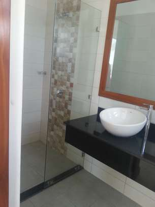 4 Bedrooms In House Compound in Oysterbay image 3