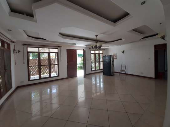 4 Bedrooms House For Rent In Masaki image 13