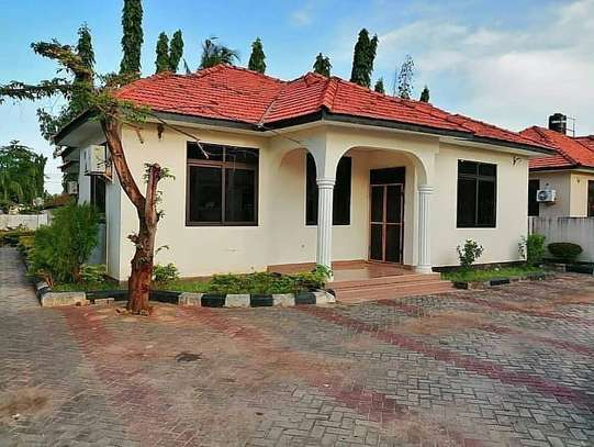 3 Bedroom House Mbezi Beach image 11