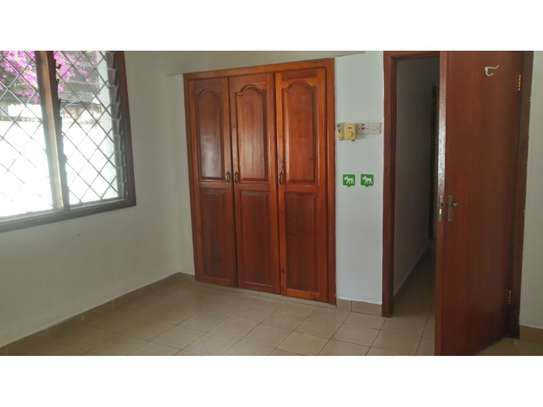 3 bed room big house in the compound for rent at oyster bay image 11
