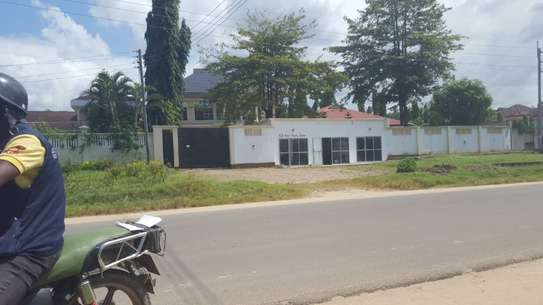 5 bed room house for sale at boko chasimba image 3