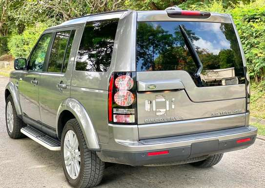 2011 Land Rover Discovery image 4
