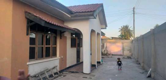 House for sale at makumbusho near bus stand image 14