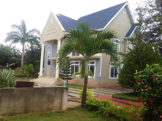4 Bdrm House for Rent in kunduch Beach. image 4