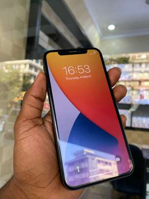 iPhone X 64GB Black for sale image 4