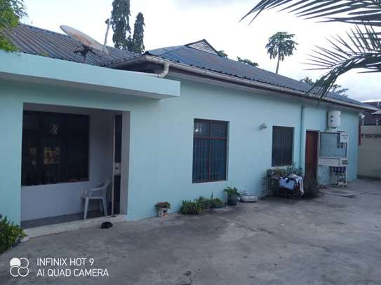 Stand alone house for rent Kinondoni garden image 2