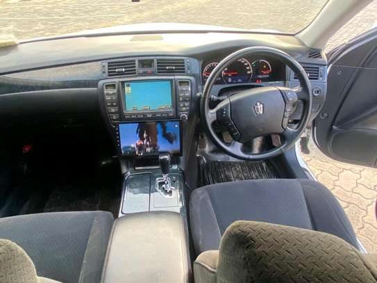 2006 Toyota Crown image 9