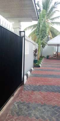3 bed room house for sale at madale near colea college image 2