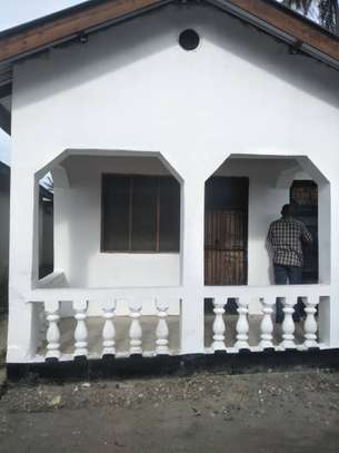 3 bed room house at mlimani city areas tsh 300000