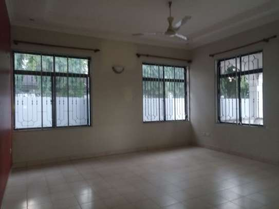 3bed room house at mbez beach tsh 1.million image 7