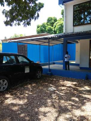 Stand alone office space in Namanga for rent image 7