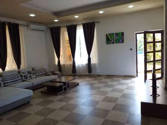 4 bed room big house villa for rent mbezi beach house sea view image 3
