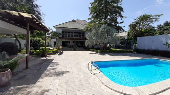 4 Bedrooms Plus Maids Room HOME For Rent in Oysterbay image 1