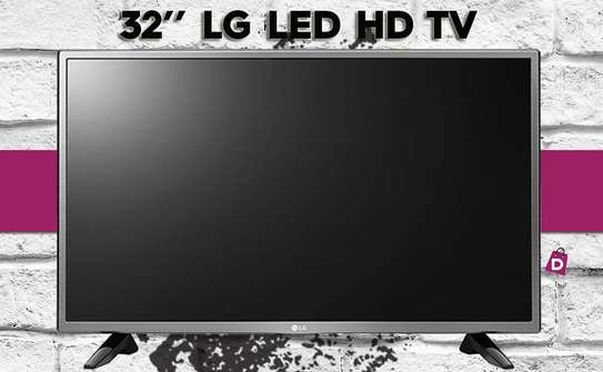 32 inch LG LED HD TV - Free Wall Bracket image 3