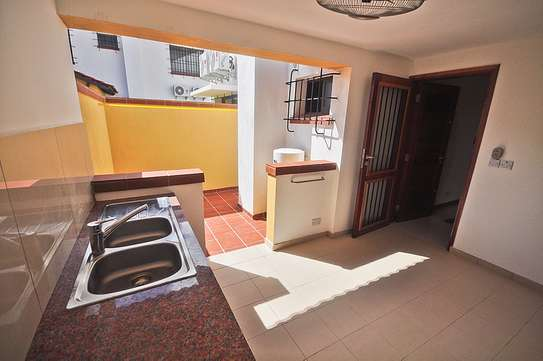 4 Bedrooms House in Compound in Oysterbay For Rent image 3