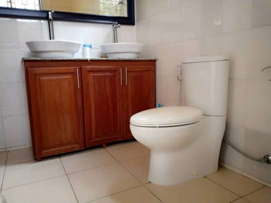 3 BEDROOMS HOUSE FOR RENT AT OYSTERBAY image 6