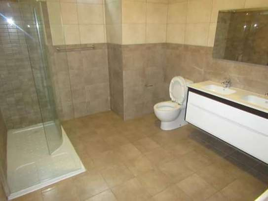 4 Bedrooms Executive Villa House in Oysterbay image 11