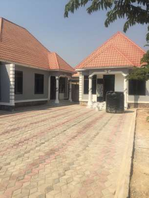 APARTMENT FOR RENT/RESIDENTIAL OR OFFICE USE DODOMA image 4