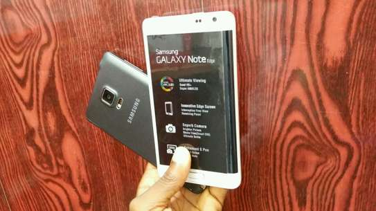 Samsung Galaxy Note Edge image 2