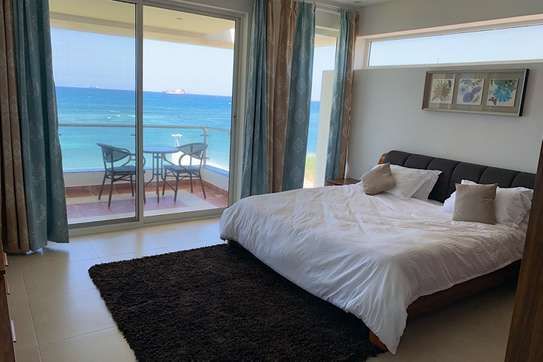 4 Bedrooms Sea Luxury Villa view Masaki