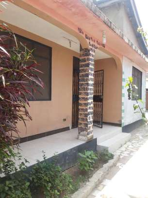 3bed house at mikocheni behind shopers plaza tsh 400,000