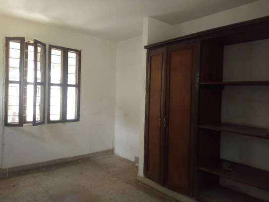 big house  8 bed room house for rent at mikocheni image 4