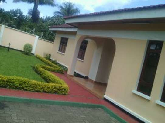 3MASTERBEDROOMS HOUSE FOR RENT AT NJIRO  AGM/PPF image 2