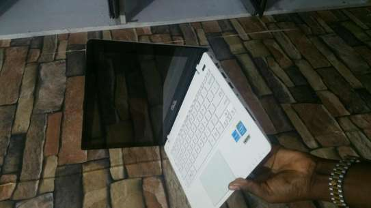 ASUS Laptop 11.6 Touch Screen image 3