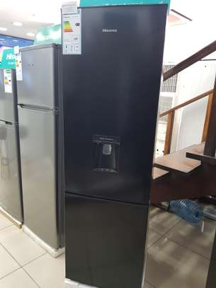 HISENSE REFRIGERATOR BLACK WITH WATER DISPENSOR 264L RD-35DC4S3 image 1