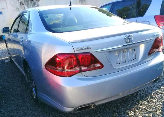 2008 Toyota Crown image 5