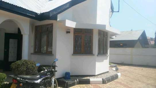 BUY OUR DODOMA HOUSE IN MOVE-IN CONDITION. image 1