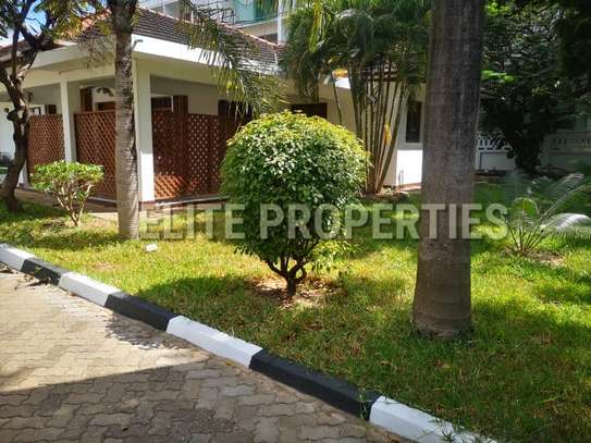 Elegant 4 bedroom stand alone for rent at Masaki image 4