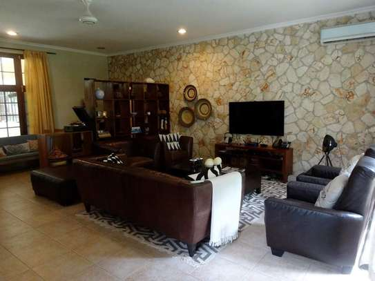 4 Bedrooms Beautiful Home For Rent In Oysterbay image 7