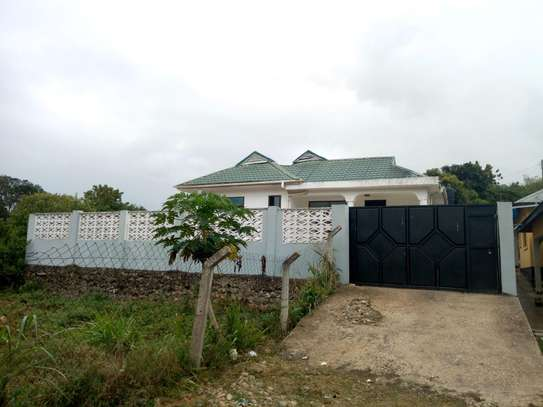STAND ALONE THREE BEDROOMS HOUSE FOR RENT AT CHANGANYIKENI DSM image 3