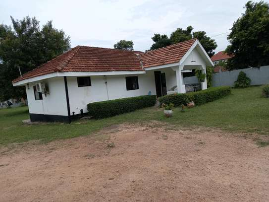2 bedrooms house for rent at OYSTERBAY image 2