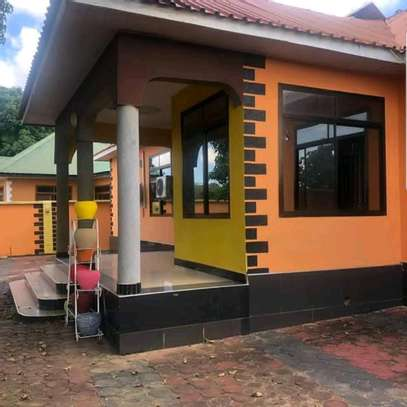 House for sale at Wazo mashamba ya jeshi image 3