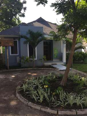 4 Bdrm House at Oysterbay