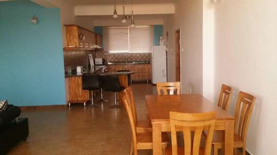 a fully furnished appartments are for rent near capetown fish market image 3